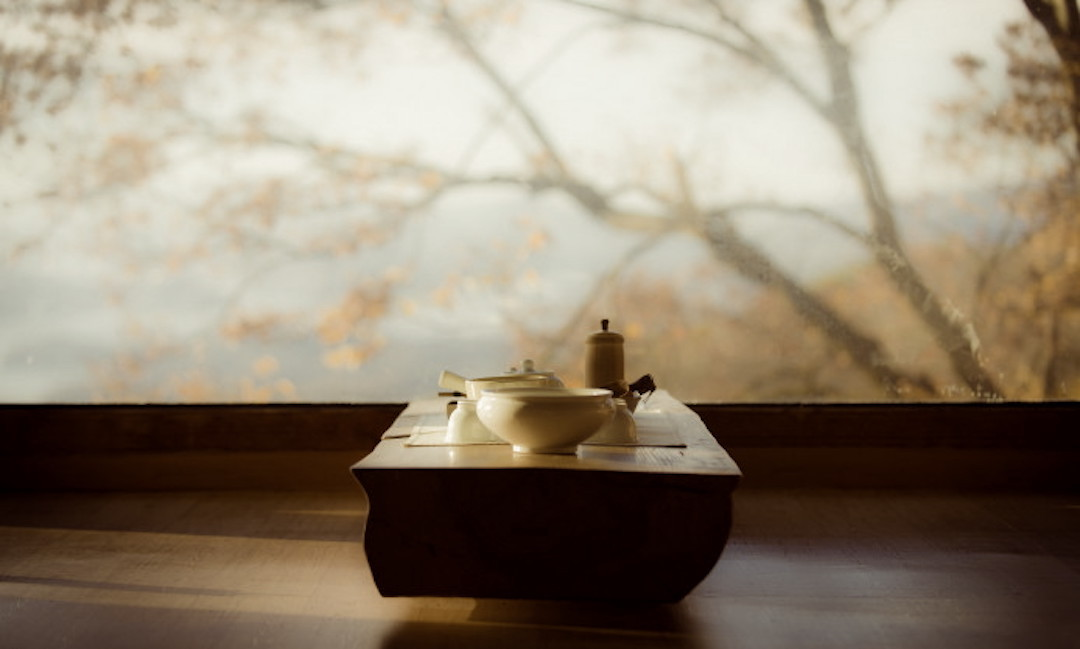 spiritualiteit-meditatie-tafel-balance-balans-evenwicht