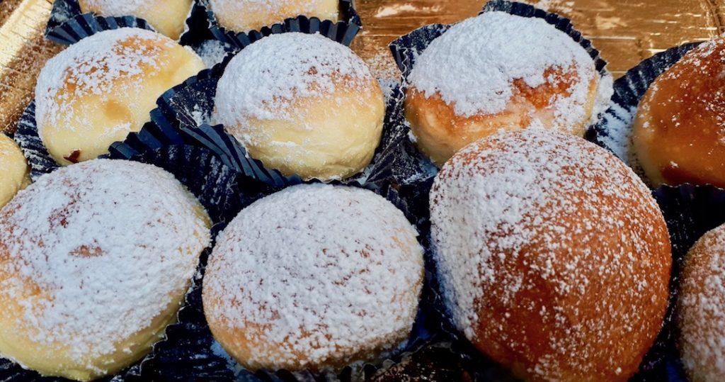 Napolitaanse dolce fiocco di neve poppella pasticceria napoli napels