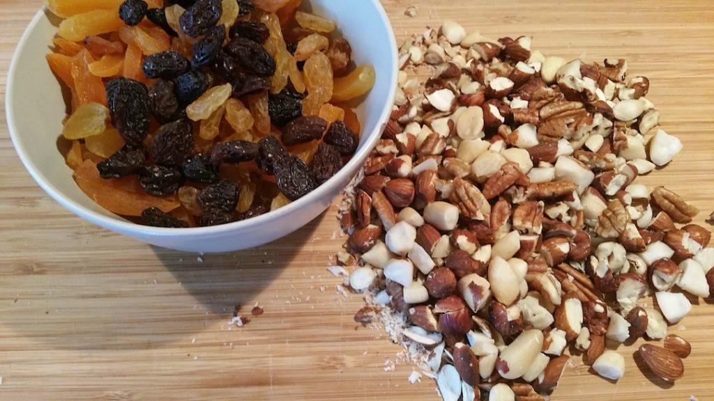 noten-abrikozenbrood