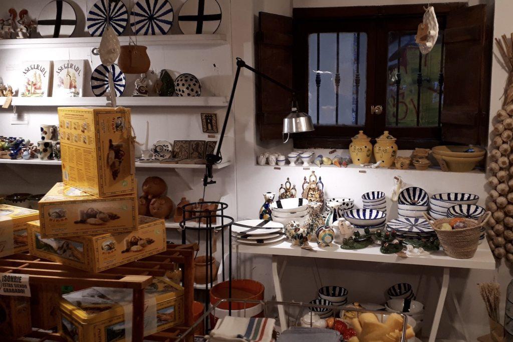 simple valencia conceptstore vintage wonen